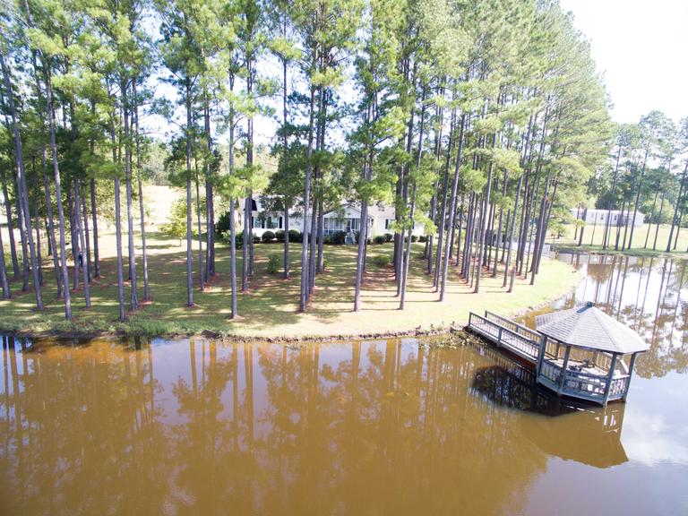 Single Family Home on 7.5AC Lake - Eastman, GA